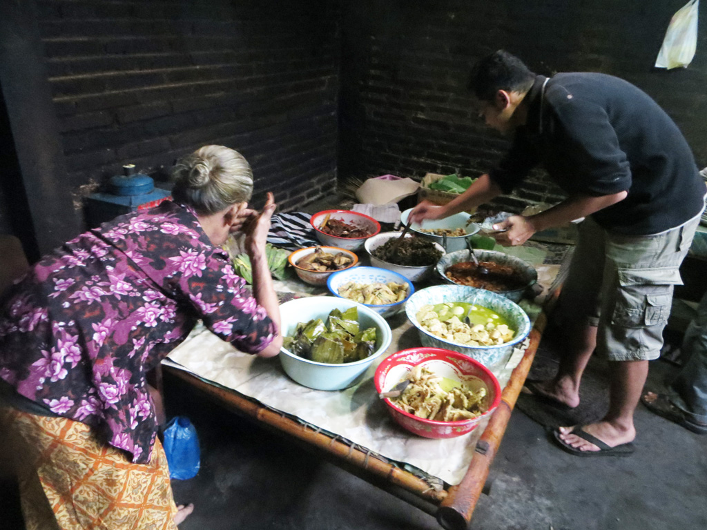 Mangut Lele Mbah Marto, Warung Makan Ndhelik yang Diserbu Pelancong Kota Yogyakarta
