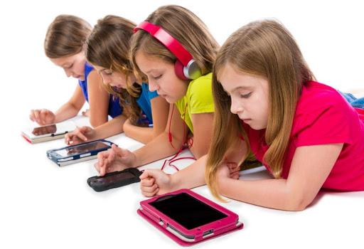Pengaruh Gadget dengan Perkembangan Anak